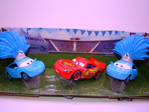 Disney CARS Dinoco ShowGirls 3 Pack (1)