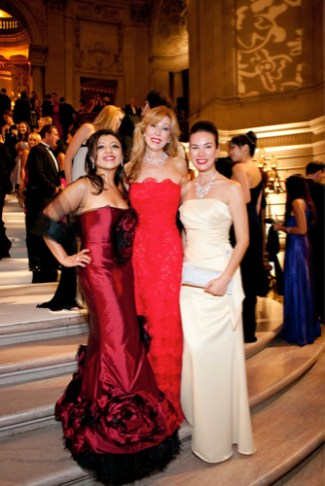 Alexandra Siliezar, Teresa Medearis, Diana Westnedge