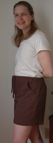 linen shorts side