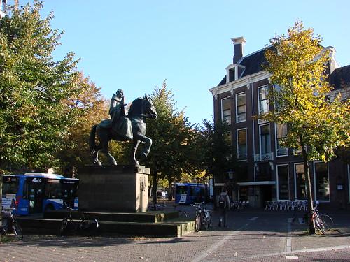 Willi Square