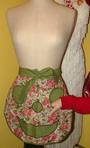 pocket on clothes pin apron