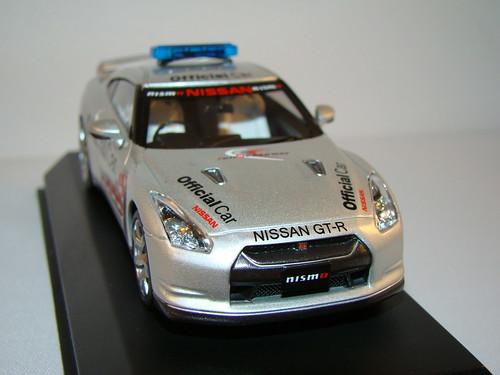 Kyosho Nissan Skyline R35 GTR Safety Car (3)