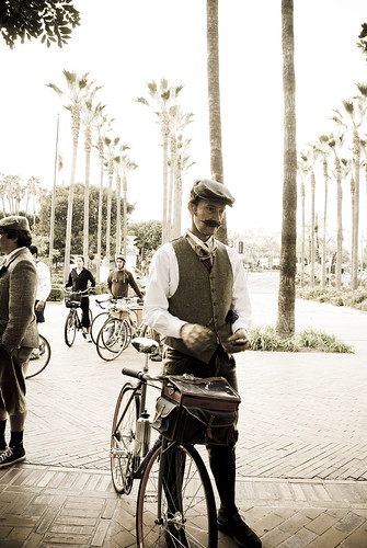 """LA Tweed Ride"" by kinamari"
