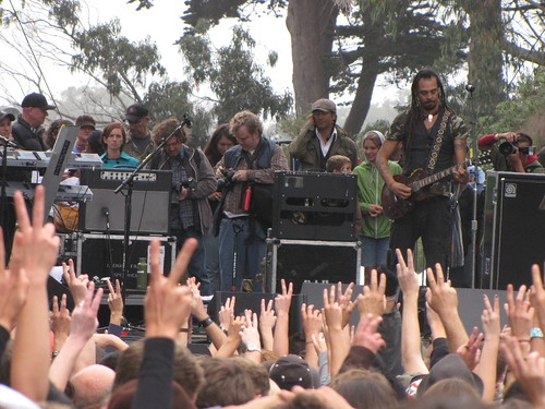 USF alumnus and Power to the Peaceful Fesitval founder Michael Franti performed at the 11th annual Power to the Peaceful festival, which promotes nonviolence and peace.  Photo by Miranda Spears/Foghorn