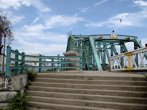 Grand Street Bridge, Brooklyn side by you.