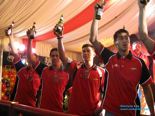San Miguel Beermen toasting