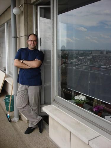 Balkon konusunda masraftan kacinmamislar