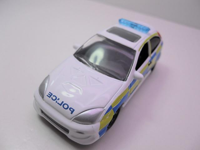 johnny lightning 2003 ford focus polizia (3)