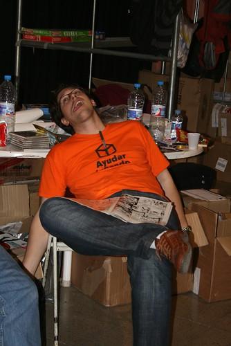 Socio de AJ agotado en la tienda benéfica