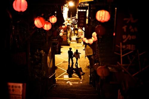 Jeoufen tea houses at night