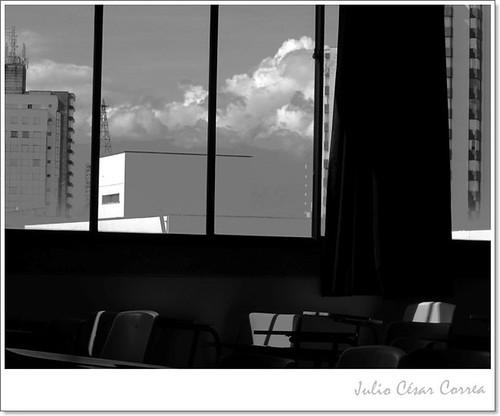 Nubes en la ventana by Julio César Correa