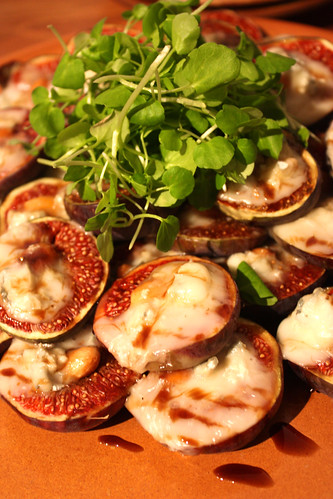 Roast figs with melted cheese and almonds? Dont mind if I do.