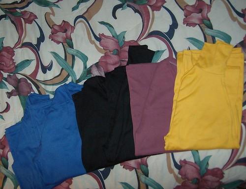 6 T-shirts and turtlenecks