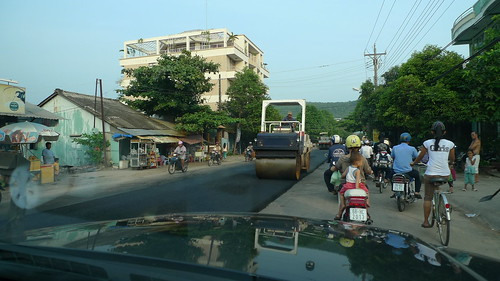 new road construction in phu quoc