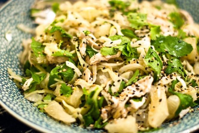 Vietnamese kip salade met pomelo