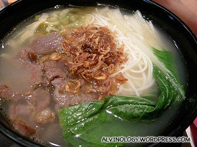 Beef soup noodle