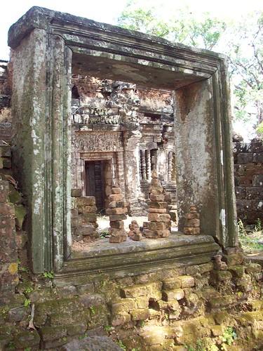 Wat Phu (21) by swimntina.