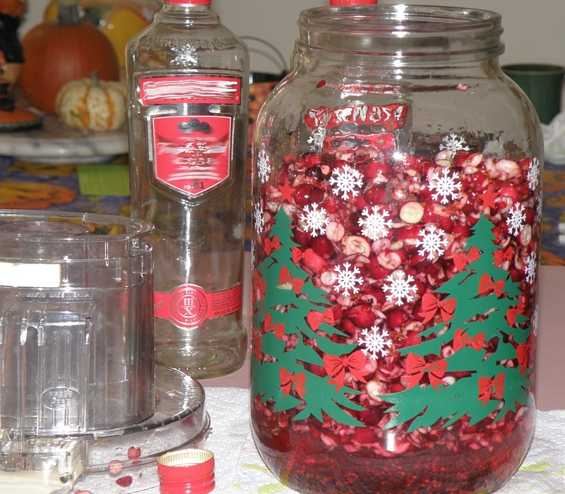 beg of cranberry liqueur