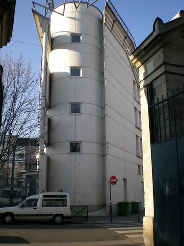 Near the Cimitière de la Vilette