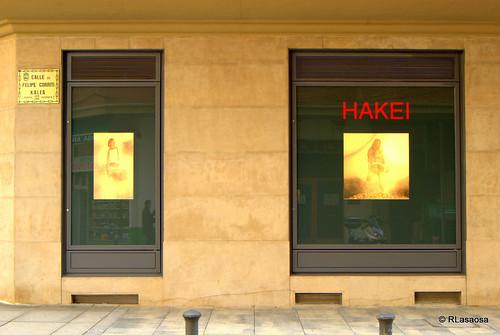 Escaparate de la tienda Hakei, en la calle Gorriti
