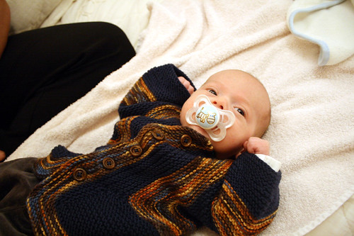 Adrían wearing the BSJ I knitted