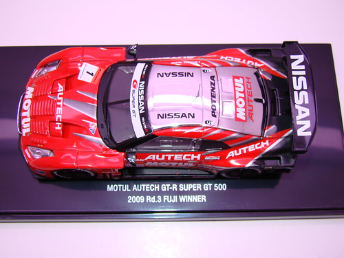 EBBRO MOTUL AUTECH GT-R SUPER GT 5002009 RD. 3 FUJI WINNER (1)