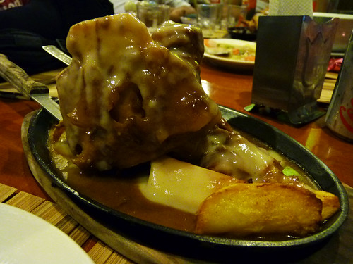 Sizzling Pochero at Abuhan Dos