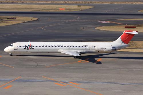 JAL MD-81(JA8499)