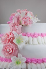 Fondant Rose and Lilly Wedding Cake-3