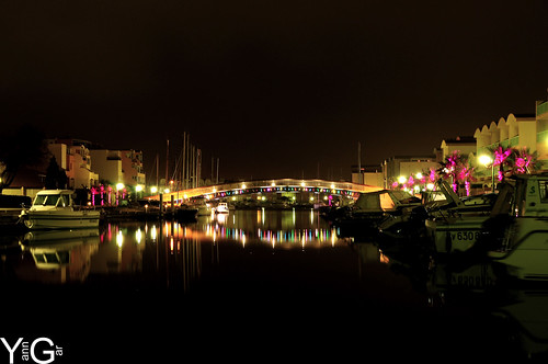 Port de gruissan de nuit by YannGarPhoto.wordpress.com