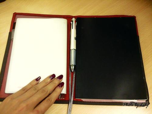 可放入兩本筆記的KOKUYO SYSTEMIC 工作用筆記本。