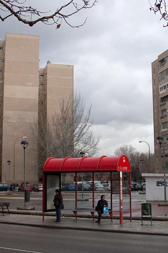 Esperando al bus en Alcalá