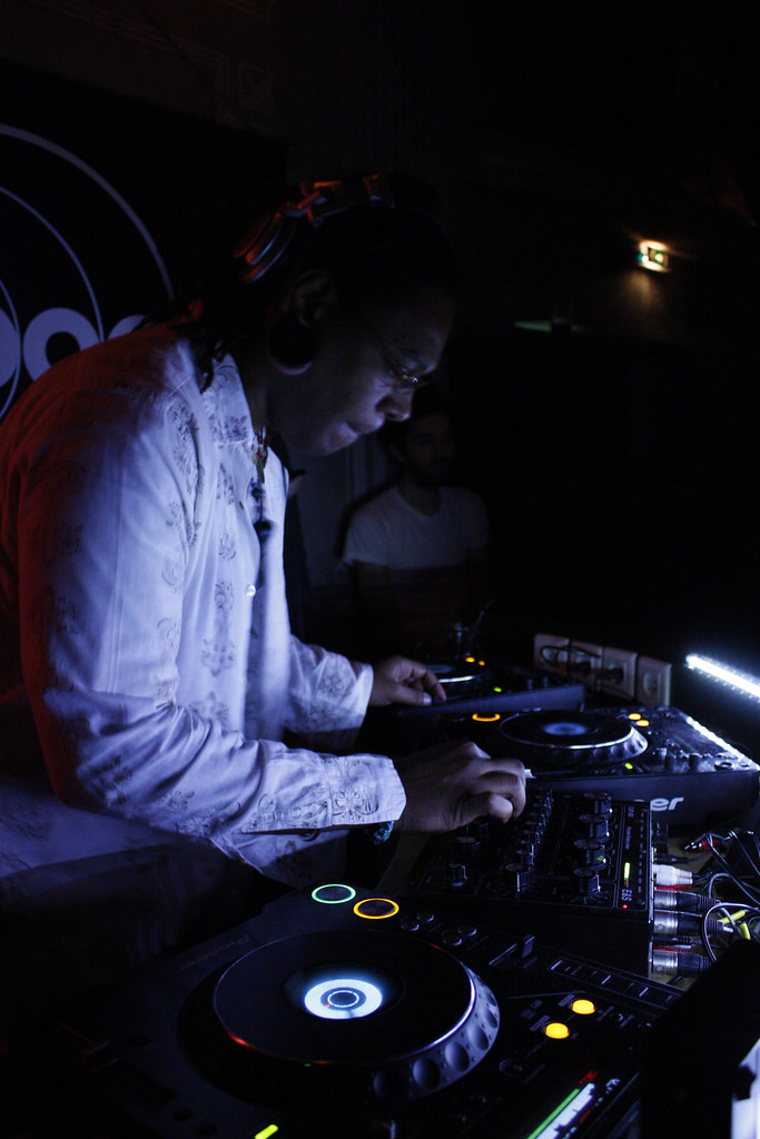 Osunlade on the decks