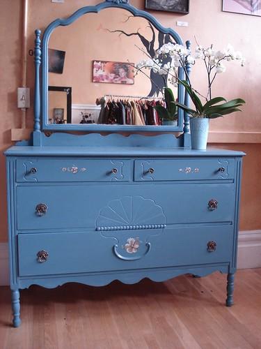 Classic Cornflower vanity dresser