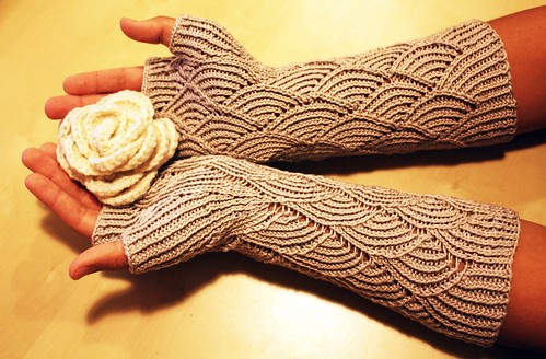 Mermaid Gloves
