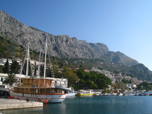 The modern harbor of Omis...