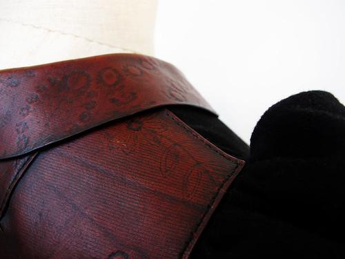 bara baras - coat sholder detail