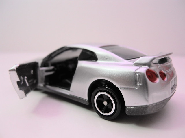 tomica tomy nissan gt-r silver (3)
