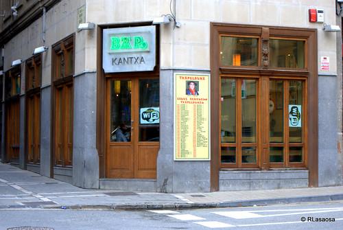 Bar Kantxa, en la calle Juan de Labrit, también conocida como Bajada Labrit