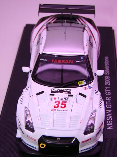 EBBRO NISSAN GT-R GT1 2009 SILVERSTONE (4)