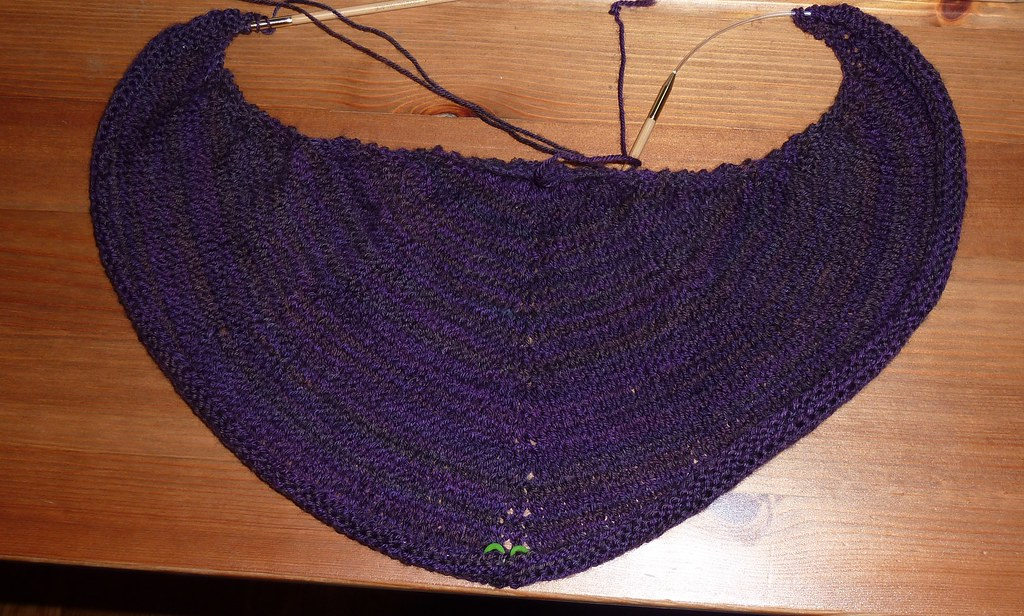 Completed solid section of the Daybreak shawl