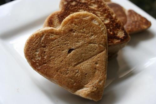 heart shaped panckes