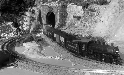 My 2-8-0 Consolidation in B&W