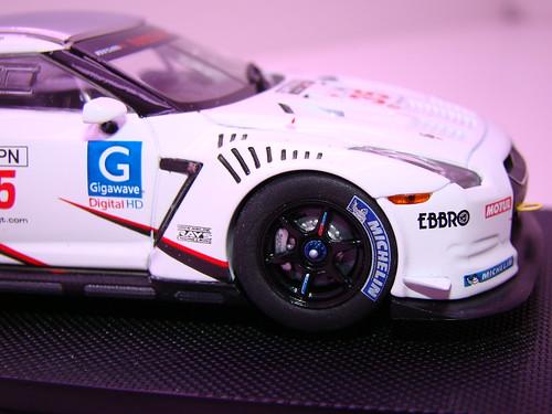 EBBRO NISSAN GT-R GT1 2009 SILVERSTONE (6)