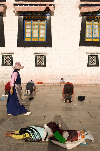 Prostrating in front of the Jokhang