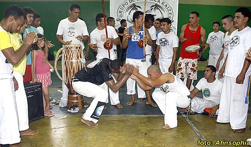 Capoeira Raízes 25 por você.