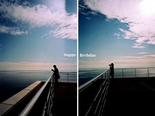 前方有你,我將一直拍下去。祝你生日快樂。