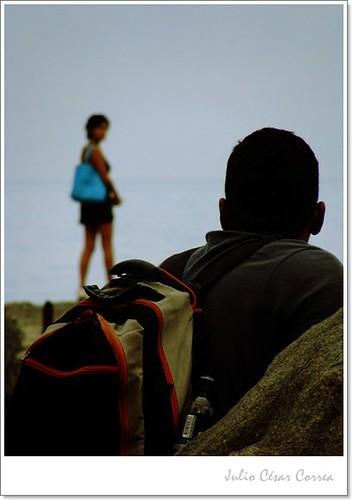 Mirando el horizonte... by Julio César Correa