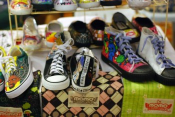 Momo shoes for men and free tote bags