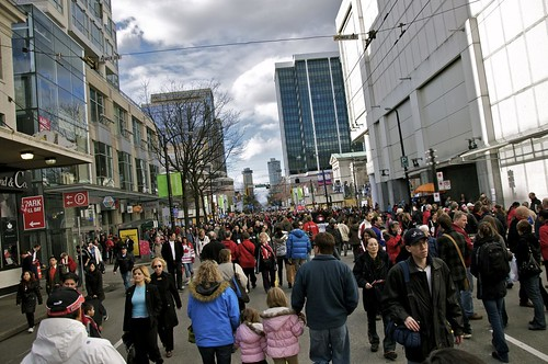 Vancouver 2010: Day 14 - Downtown crowds